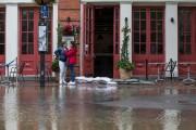 Une rue inondée dans la ville d'Alexandria, en... (AFP) - image 3.0