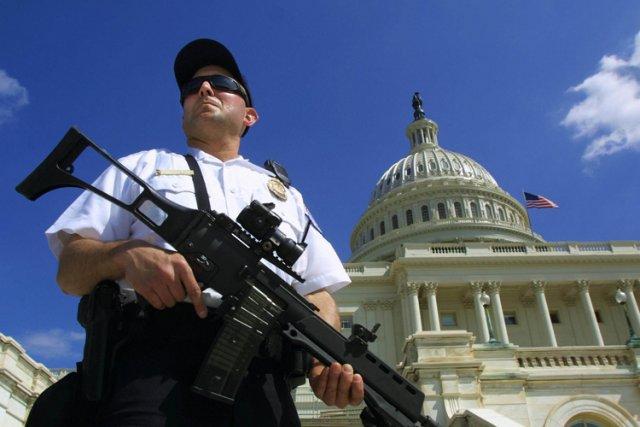 En février 2004, le Sénat et la Maison-Blanche... (Photo: AFP)