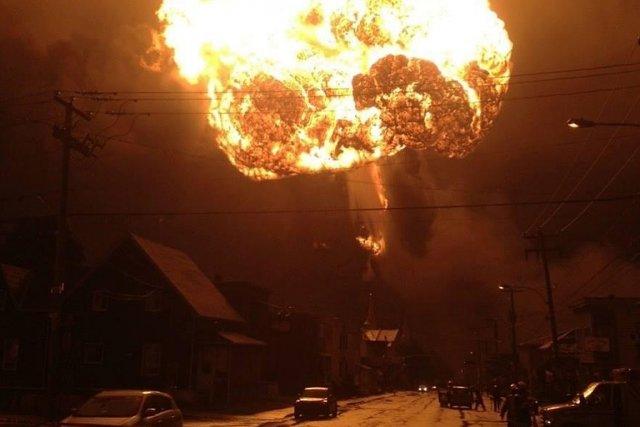 L'explosion à Lac-Mégantic a rasé une partie du... (Photo: MathLOFF via CrowdMedia)