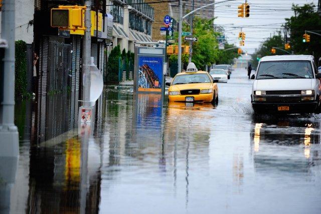 Un taxi est stationné dans les ruesde Coney... (PHOTO EMMANUEL DUNAND, ARCHIVES AFP)