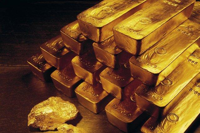 Une équipe de nettoyage a retrouvé 24 barres d'or, pour un montant supérieur à... (Photo archives AP)