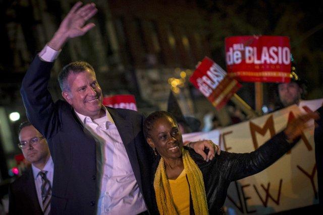 Bill de Blasio et Chirlane McCray... (PHOTO BRENDAN MCDERMID, REUTERS)