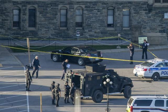Le forcené qui a pénétré et fait feu au Parlement d'Ottawa est un autre «loup... (Photo La Presse Canadienne)