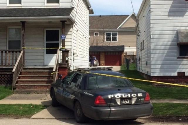 Les enquêteurs tentent de déterminer d'où venait l'arme,... (PHOTO CLEVELAND.COM)