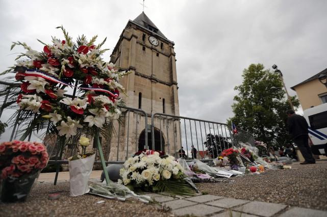 """Résultat de recherche d'images pour """"prêtre tué france"""""""