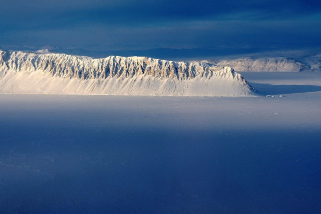 La banquise arctique... (PHOTO Michael Studinger, ARCHIVES REUTERS/NASA)
