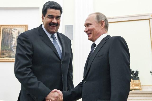 Nicolas Maduro lors d'un entretien avec le président... (PHOTO AP)