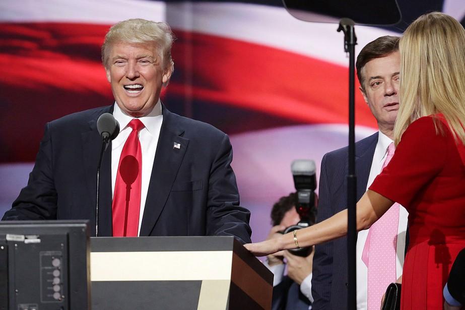 Affaire russe:trois ex-conseillers de Trump poursuivis