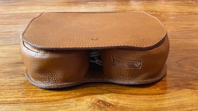 capra leather case review bottom