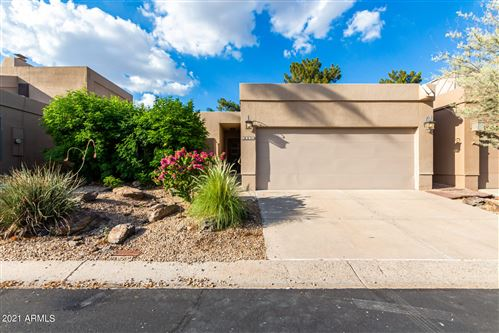 Photo of 3034 E STELLA Lane, Phoenix, AZ 85016 (MLS # 6223365)