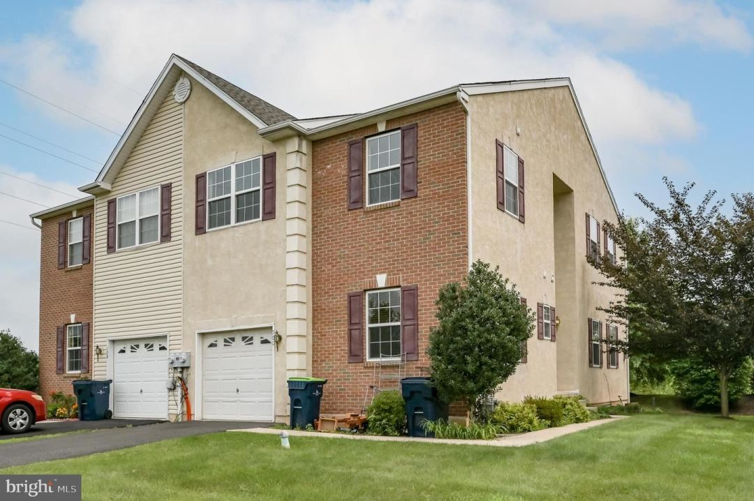 Photo of 500 CLEARVIEW DR, SOUDERTON, PA 18964 (MLS # PAMC2005056)
