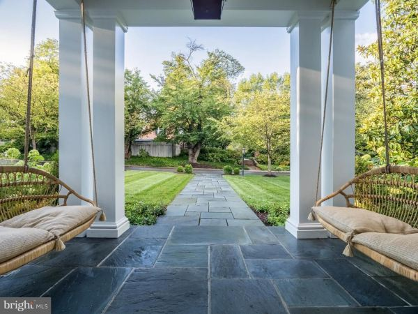 Photo of 5304 SUNSET LN, CHEVY CHASE, MD 20815 (MLS # MDMC722152)