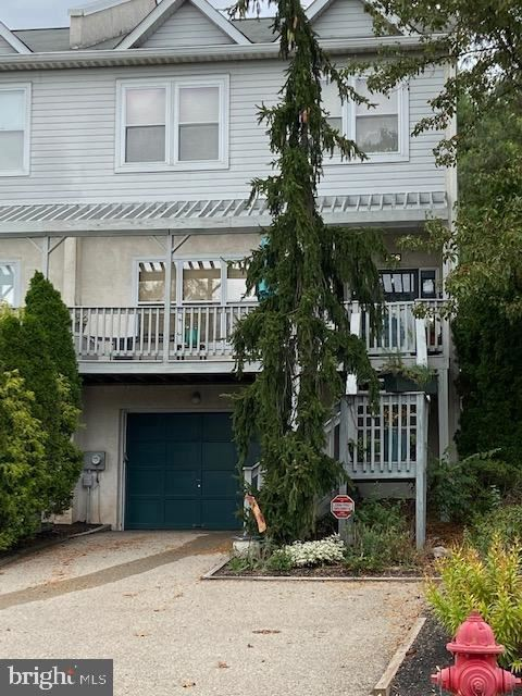 Photo of 136 BARLEY SHEAF DR, NORRISTOWN, PA 19403 (MLS # PAMC2010182)