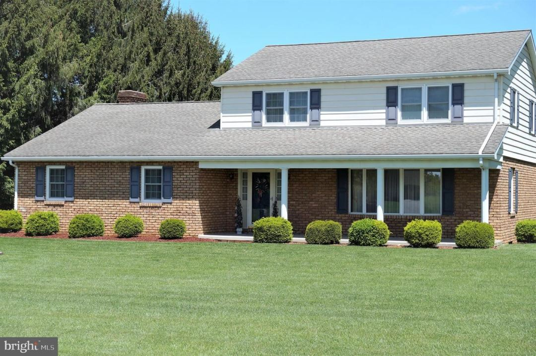 Photo of 845 FAIRVIEW DR, HANOVER, PA 17331 (MLS # PAYK158312)