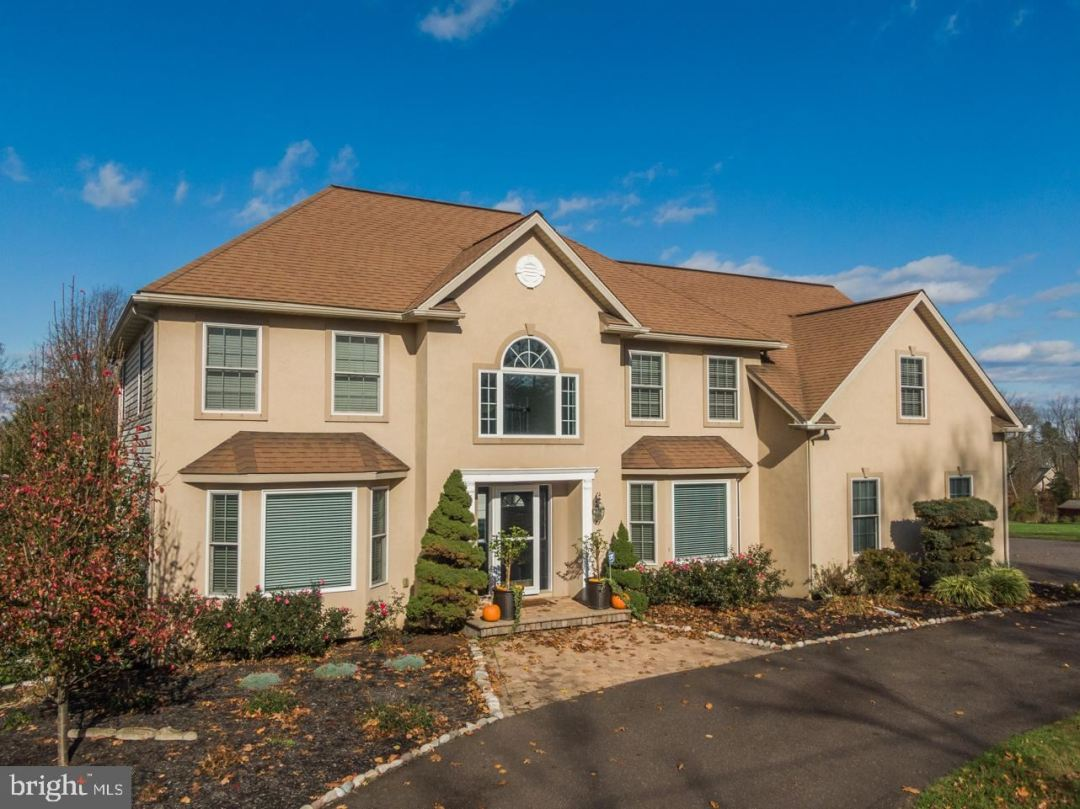 Photo of 1501 GREEN HILL RD, COLLEGEVILLE, PA 19426 (MLS # PAMC667336)