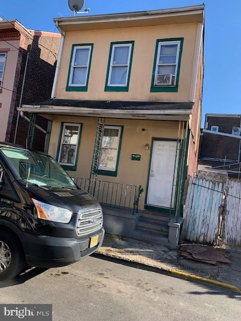 Photo of 27 HIGH ST, TRENTON, NJ 08609 (MLS # NJME307346)