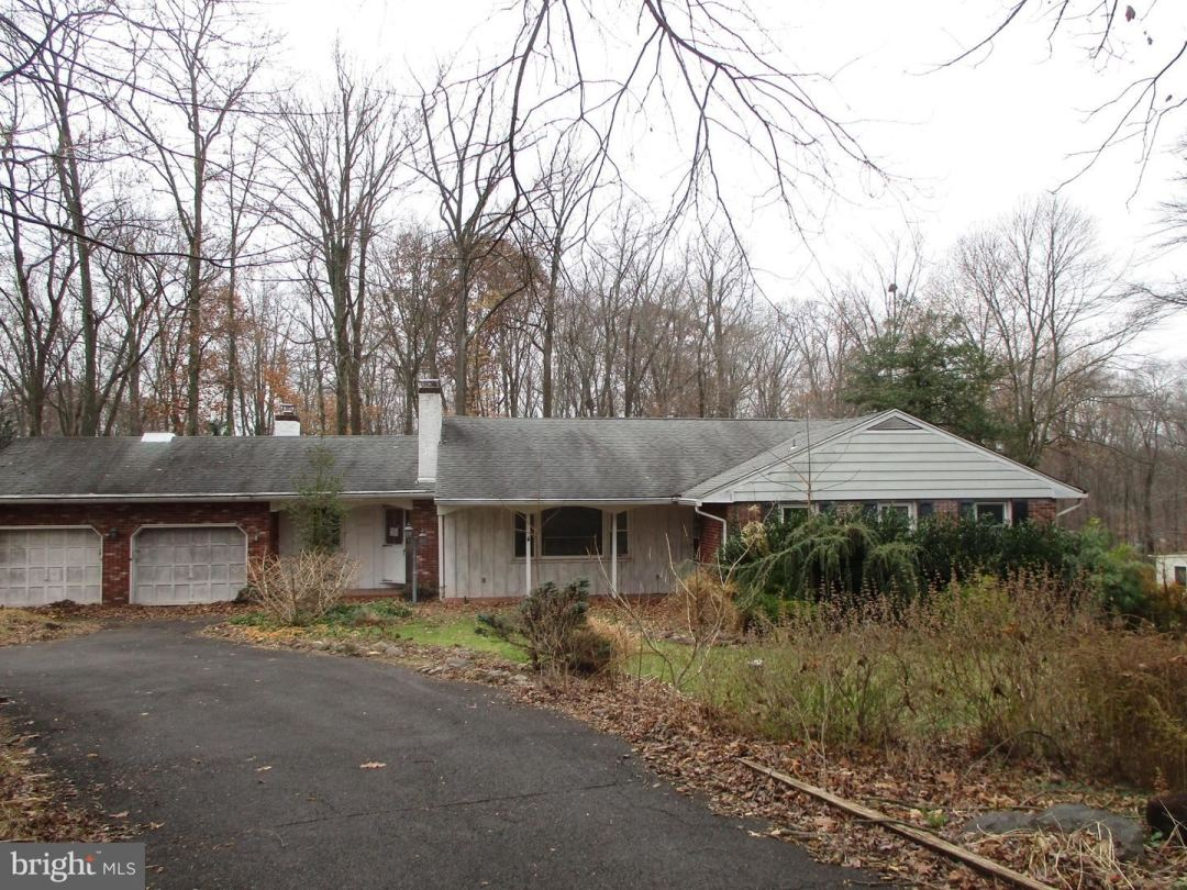 Photo for 71 WOODSIDE AVE, CHALFONT, PA 18914 (MLS # PABU485380)
