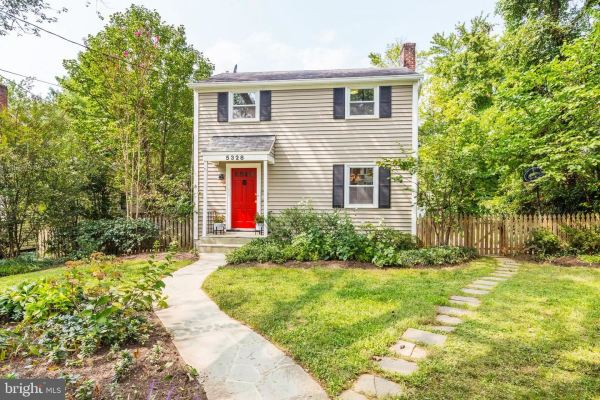 Photo of 5328 ALLANDALE RD, BETHESDA, MD 20816 (MLS # MDMC726454)