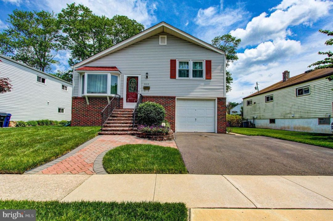Photo for 2819 GALLOWAY AVE, ABINGTON, PA 19001 (MLS # PAMC696468)