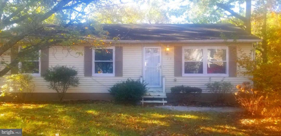 Photo for 135 W EARLEIGH HEIGHTS RD, SEVERNA PARK, MD 21146 (MLS # MDAA418492)