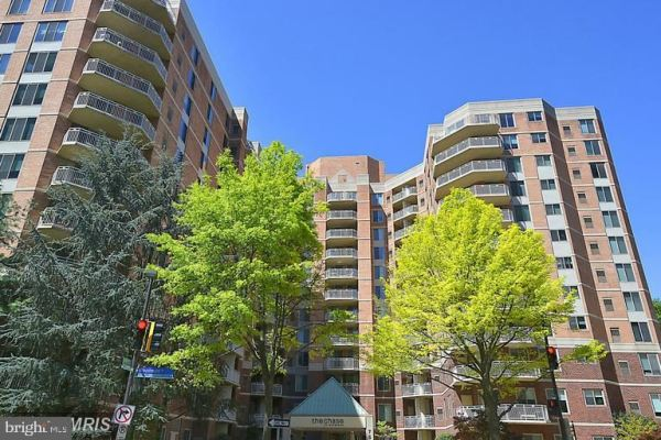 Photo of 7500 WOODMONT AVE #S1118, BETHESDA, MD 20814 (MLS # MDMC742526)