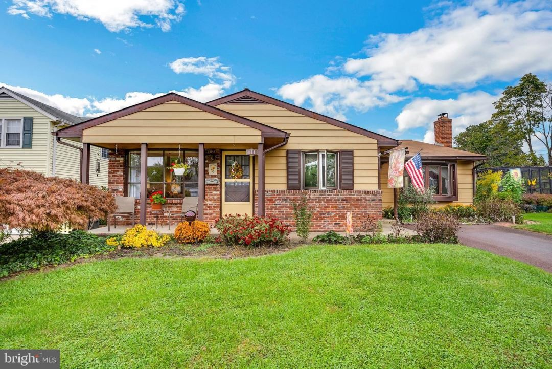 Photo of 411 LINCOLN AVE, SOUDERTON, PA 18964 (MLS # PAMC2013542)