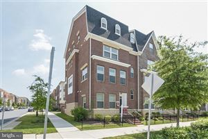 Photo of 302 CROWN PARK AVE, GAITHERSBURG, MD 20878 (MLS # MDMC670736)