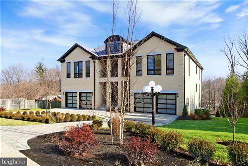 Photo of 6122 FRANKLIN PARK RD, MCLEAN, VA 22101 (MLS # VAFX1093736)
