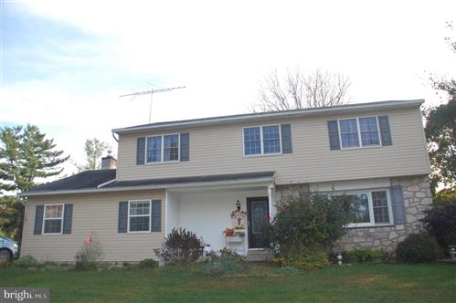 Photo of 2148 PHEASANT HILL RD, LANSDALE, PA 19446 (MLS # PAMC2014784)