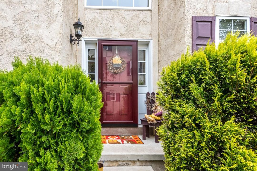 Photo of 533 CLEARVIEW DR, SOUDERTON, PA 18964 (MLS # PAMC683946)