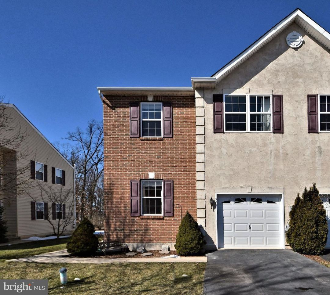 Photo of 521 CLEARVIEW DR, SOUDERTON, PA 18964 (MLS # PAMC678960)