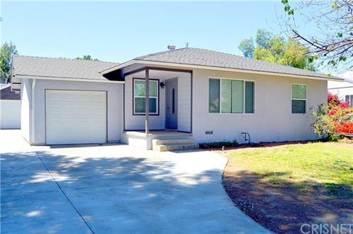 Photo of 7725 Genesta Avenue, Lake Balboa, CA 91406 (MLS # SR21087007)