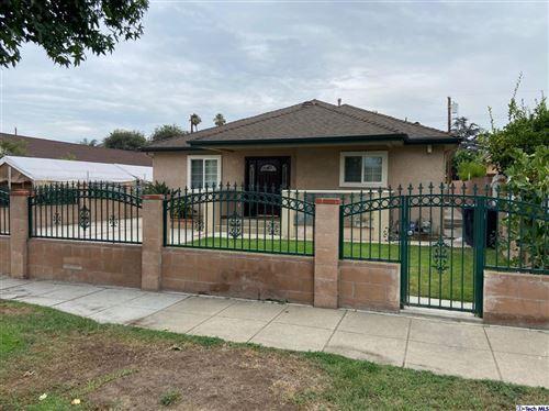 Photo of 2305 N Lamer Street, Burbank, CA 91504 (MLS # 320007055)