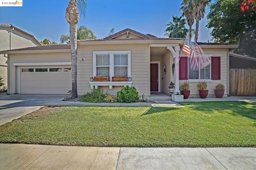 Photo of 104 Heritage Way, Brentwood, CA 94513 (MLS # 40967057)