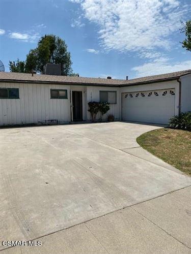 Photo of 17818 Lorne Street, Reseda, CA 91335 (MLS # 221004073)