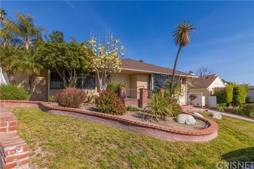 Photo of 700 View Drive, Burbank, CA 91501 (MLS # SR21043127)