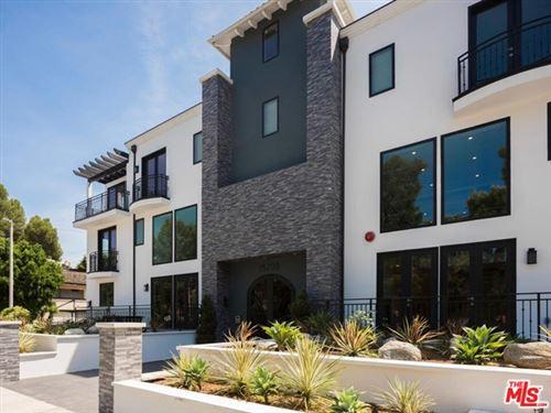 Photo of 15200 W Magnolia Boulevard #203, Sherman Oaks, CA 91403 (MLS # 21729146)