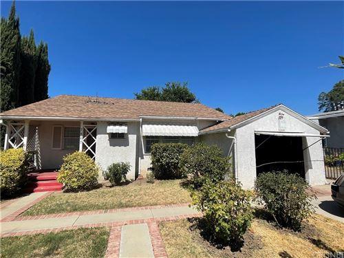 Photo of 7407 Blewett Avenue, Lake Balboa, CA 91406 (MLS # SR21188149)
