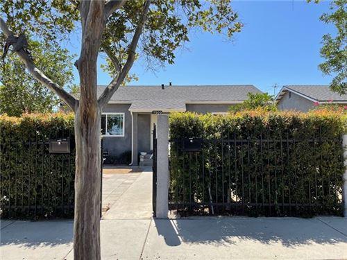 Photo of 7503 Camellia Avenue, North Hollywood, CA 91605 (MLS # SR21113187)