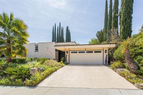 Photo of 21844 Ulmus Drive, Woodland Hills, CA 91364 (MLS # SR21076254)