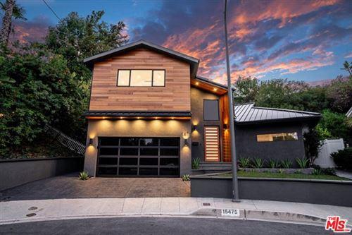 Photo of 15475 Loom Place, Sherman Oaks, CA 91403 (MLS # 20634272)