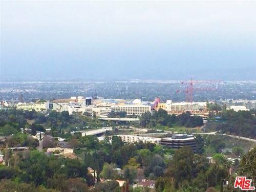 Photo of 7218 Sunnydip Trail, Hollywood Hills, CA 90068 (MLS # 20598296)