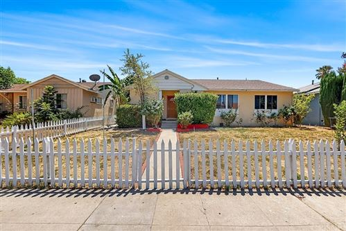 Photo of 19806 Saticoy Street, Winnetka, CA 91306 (MLS # SR21165317)