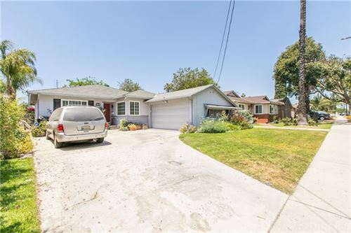 Photo of 7533 Bellaire Avenue, North Hollywood, CA 91605 (MLS # SR21125359)