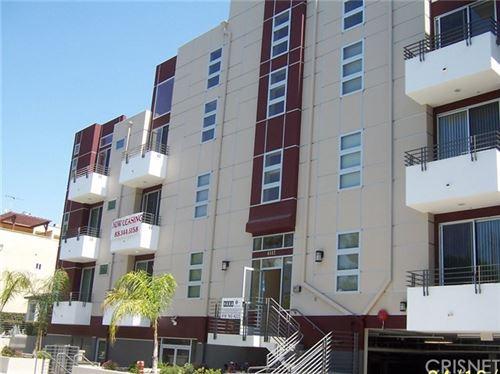 Photo of 4112 Whitsett Avenue, Studio City, CA 91604 (MLS # SR20097378)