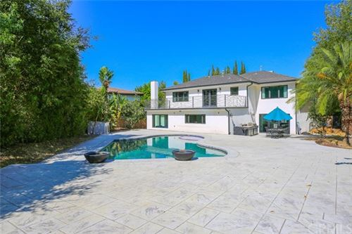 Photo of 17260 Quesan Place, Encino, CA 91316 (MLS # BB21093399)