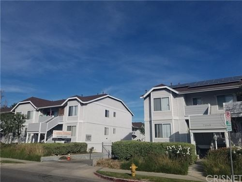 Photo of 7240 Corbin Avenue #215, Reseda, CA 91335 (MLS # SR20236552)