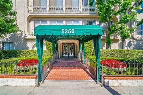 Photo of 5250 Zelzah Avenue #19A, Encino, CA 91316 (MLS # SR21032559)