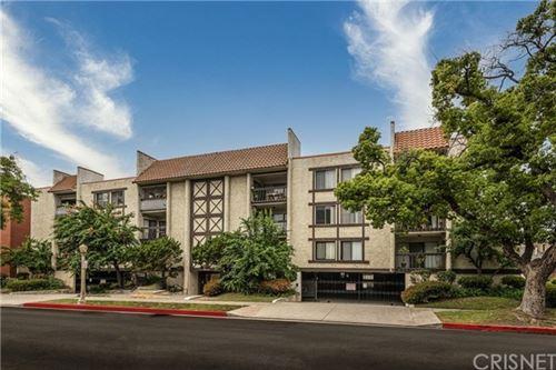 Photo of 515 N Jackson Street #201, Glendale, CA 91206 (MLS # SR21100576)