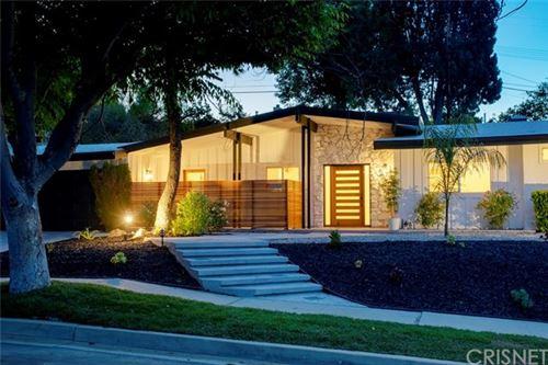 Photo of 23757 Mariano Street, Woodland Hills, CA 91367 (MLS # SR21072663)